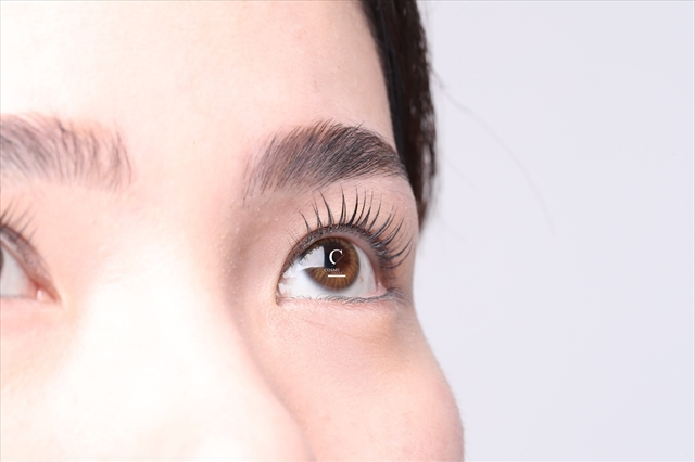 COSMELIFT コスメリフト 施術例2 まつ毛を根本からリフトアップ、トリートメント効果で理想のまつ毛を育成